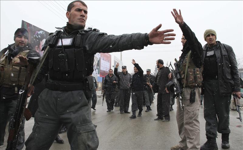 Al menos 31 heridos en atentado coordinado cerca de sede del espionaje afgano