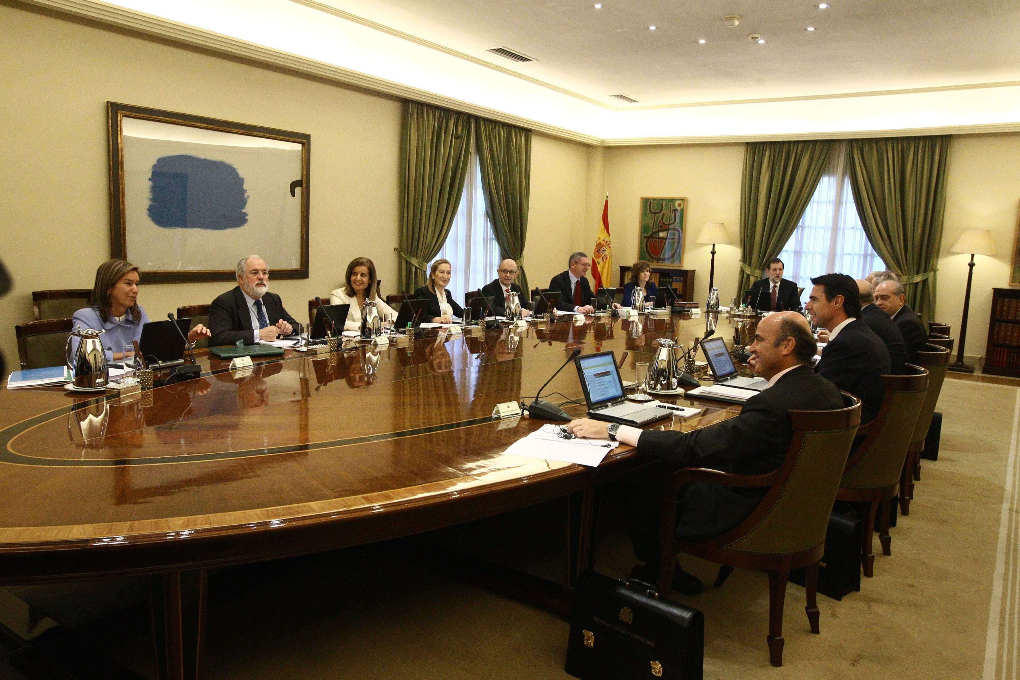 68 asesores del Gobierno de Rajoy no tienen el graduado escolar