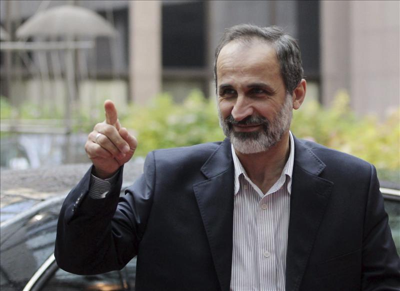 El líder de la oposición siria tiende la mano al diálogo con Al Assad