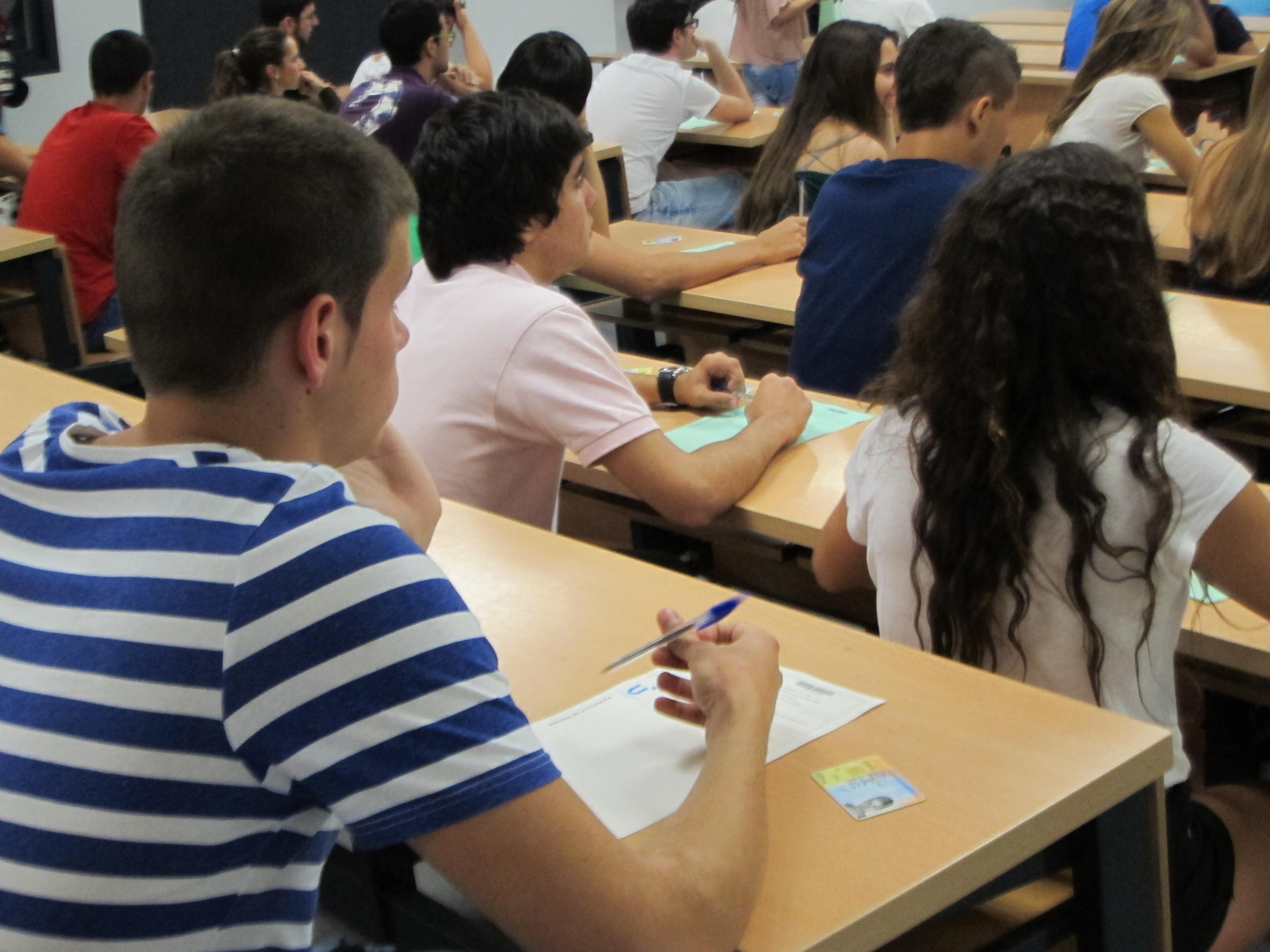 Los alumnos que sean expulsados de sus centros harán trabajos sociales