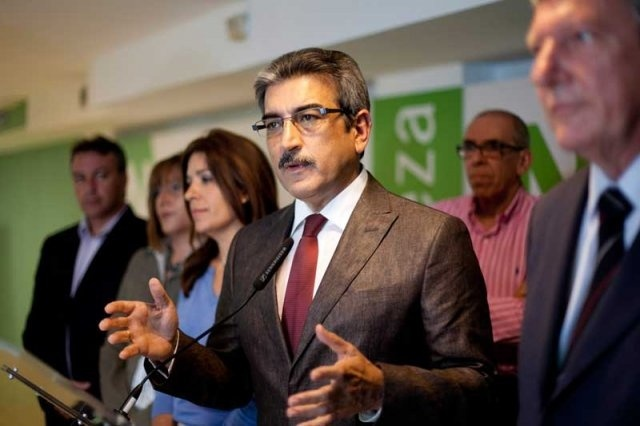 NC afirma que Soria da «otro golpe mortal» a las renovables en Canarias «en favor» de las petroleras