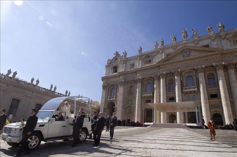 Los cardenales expresan su «gratitud» a Benedicto XVI