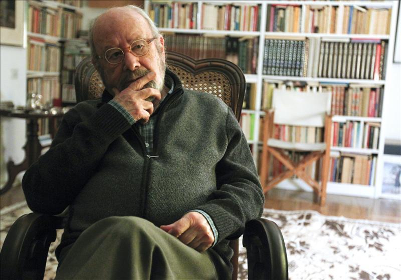 Caballero Bonald asegura que «el escritor debe ser un vigilante del poder»