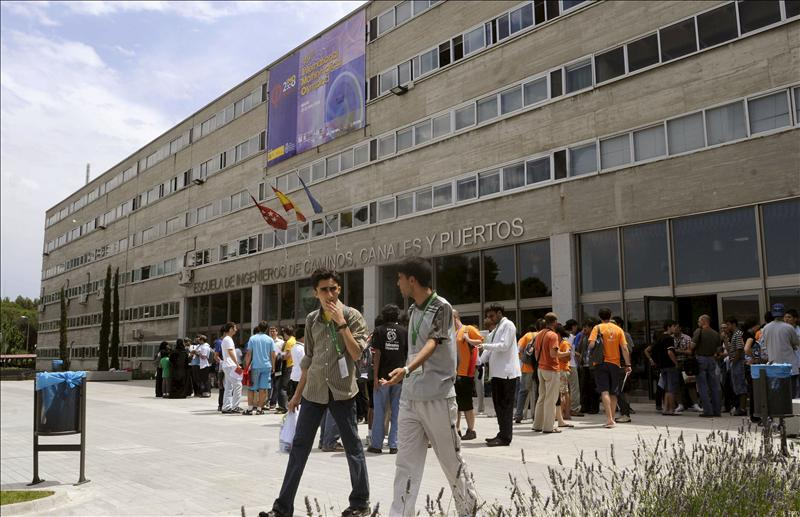 Los sindicatos piden que la Politécnica de Madrid prejubile para salvar 300 empleos