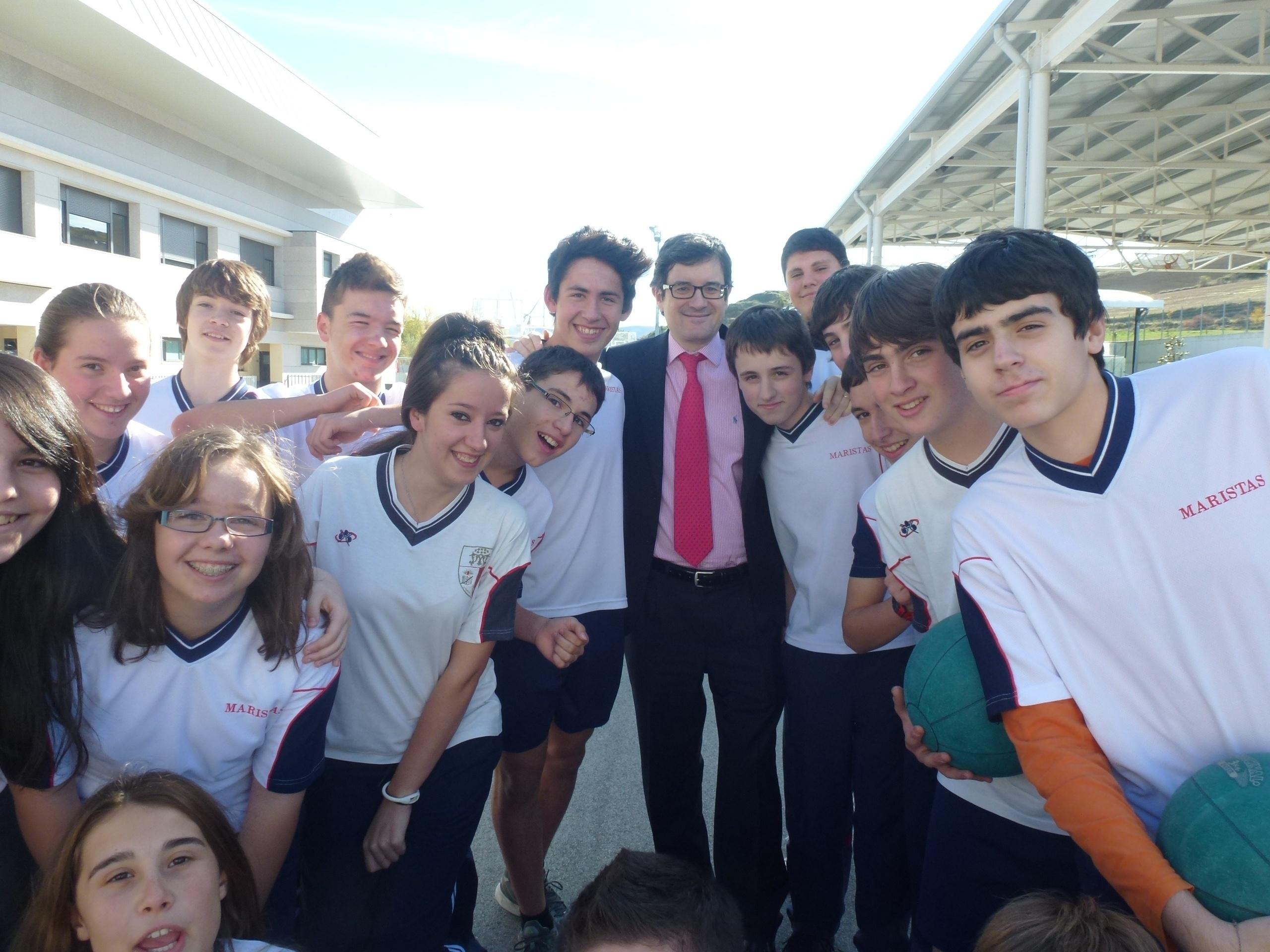 Iribas visita el colegio Maristas de Sarriguren, donde estudian 1.607 alumnos