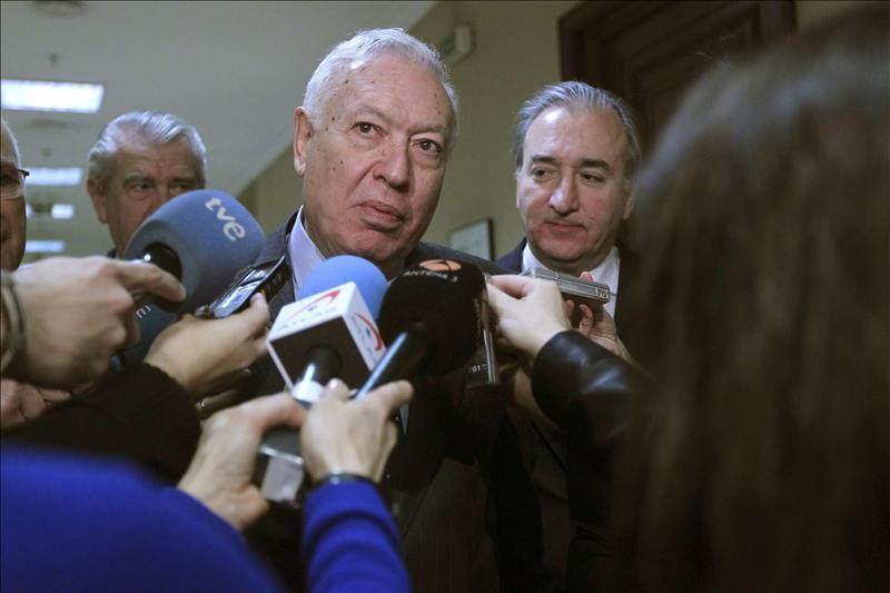 Margallo desea lo mejor al Rey porque «es muy necesario para España»