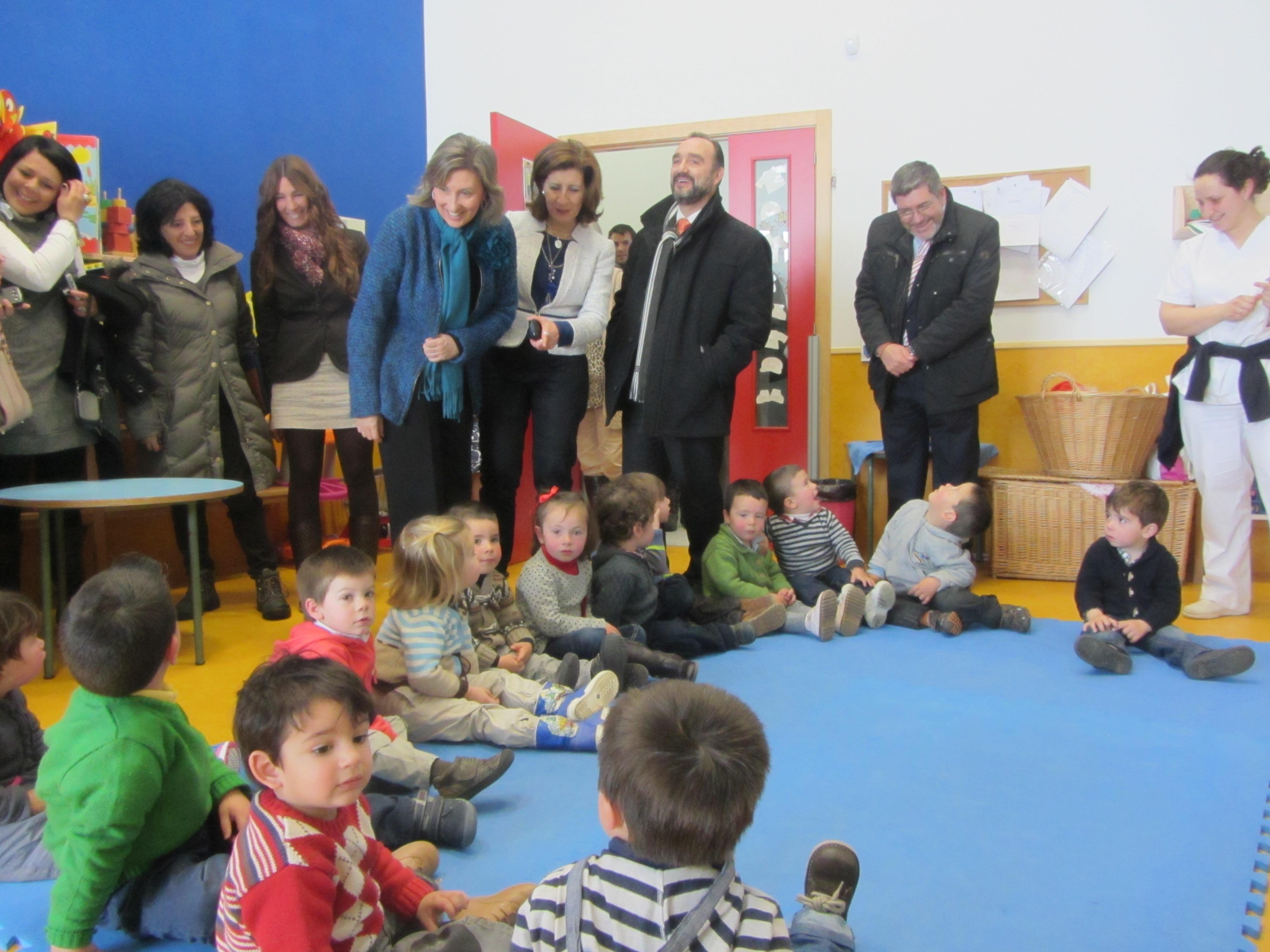 Nogales dice que los centros de 0 a 3 años han superado la «concepción asistencial para centrarse en su cariz educativo»