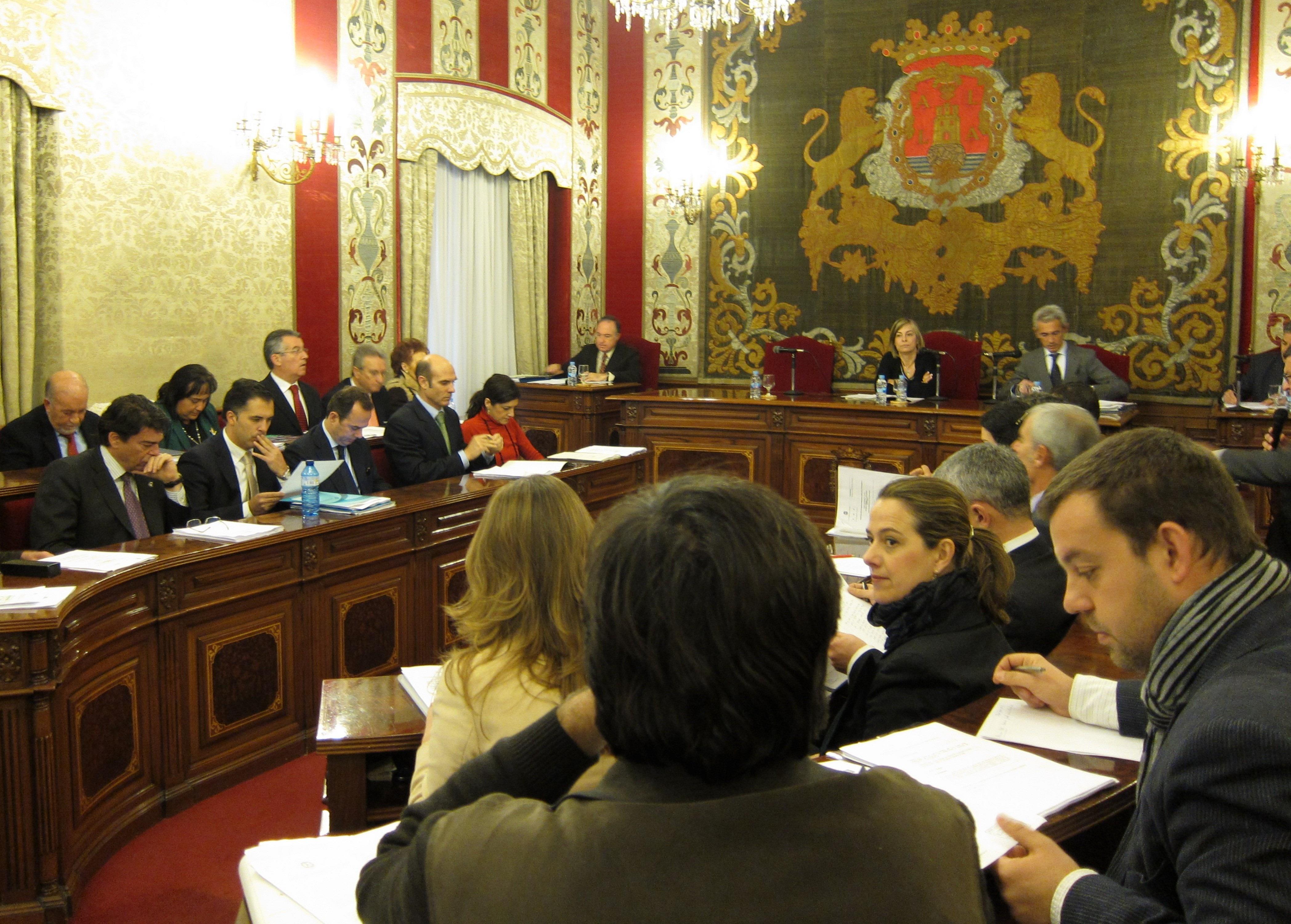 El PP aprueba definitivamente los presupuestos municipales de 2013 con la oposición de PSOE, EU y UPyD