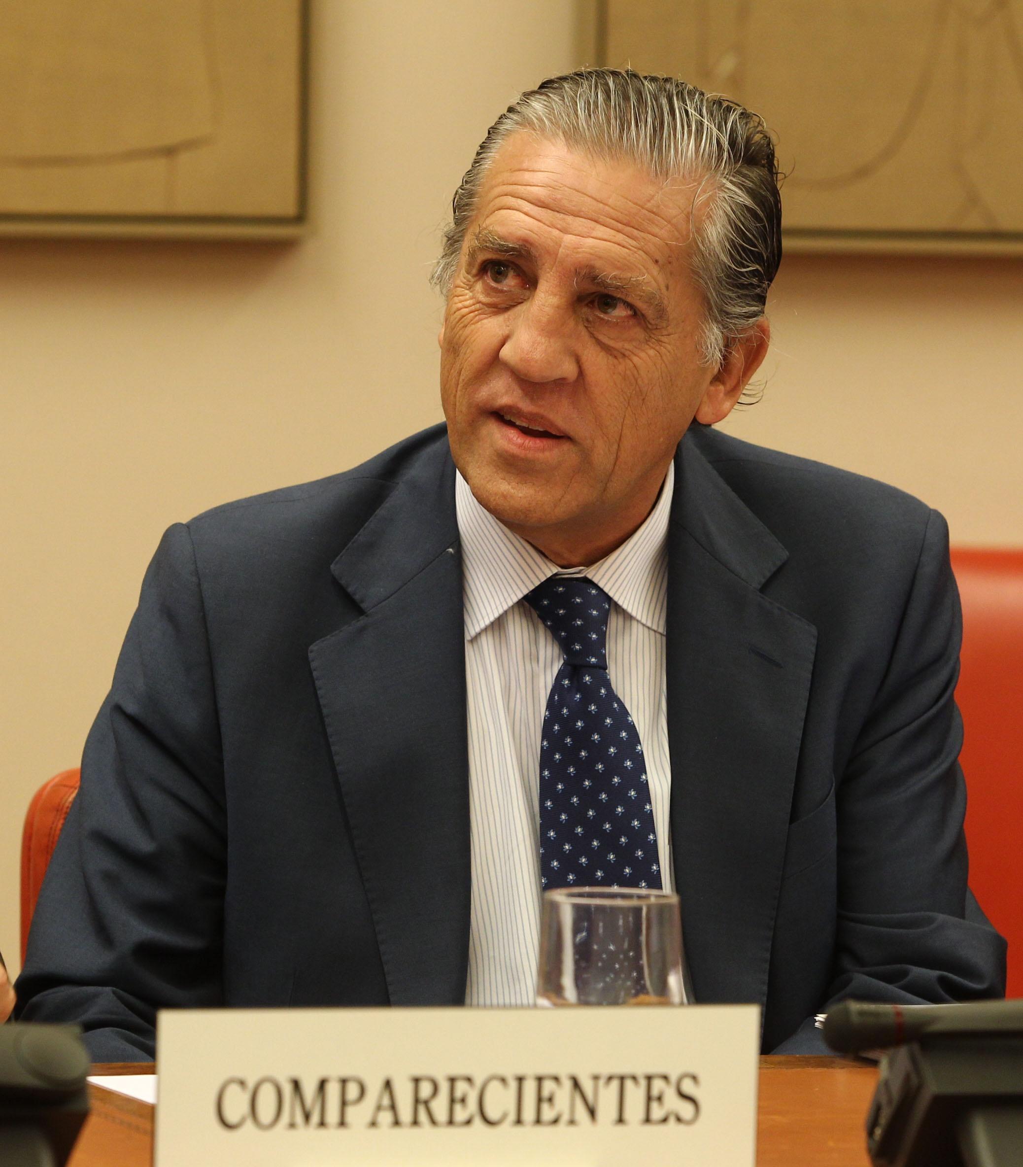 PSOE pide a Defensa que sancione inmediatamente al general Chicharro por sus palabras «contrarias a la Constitución»
