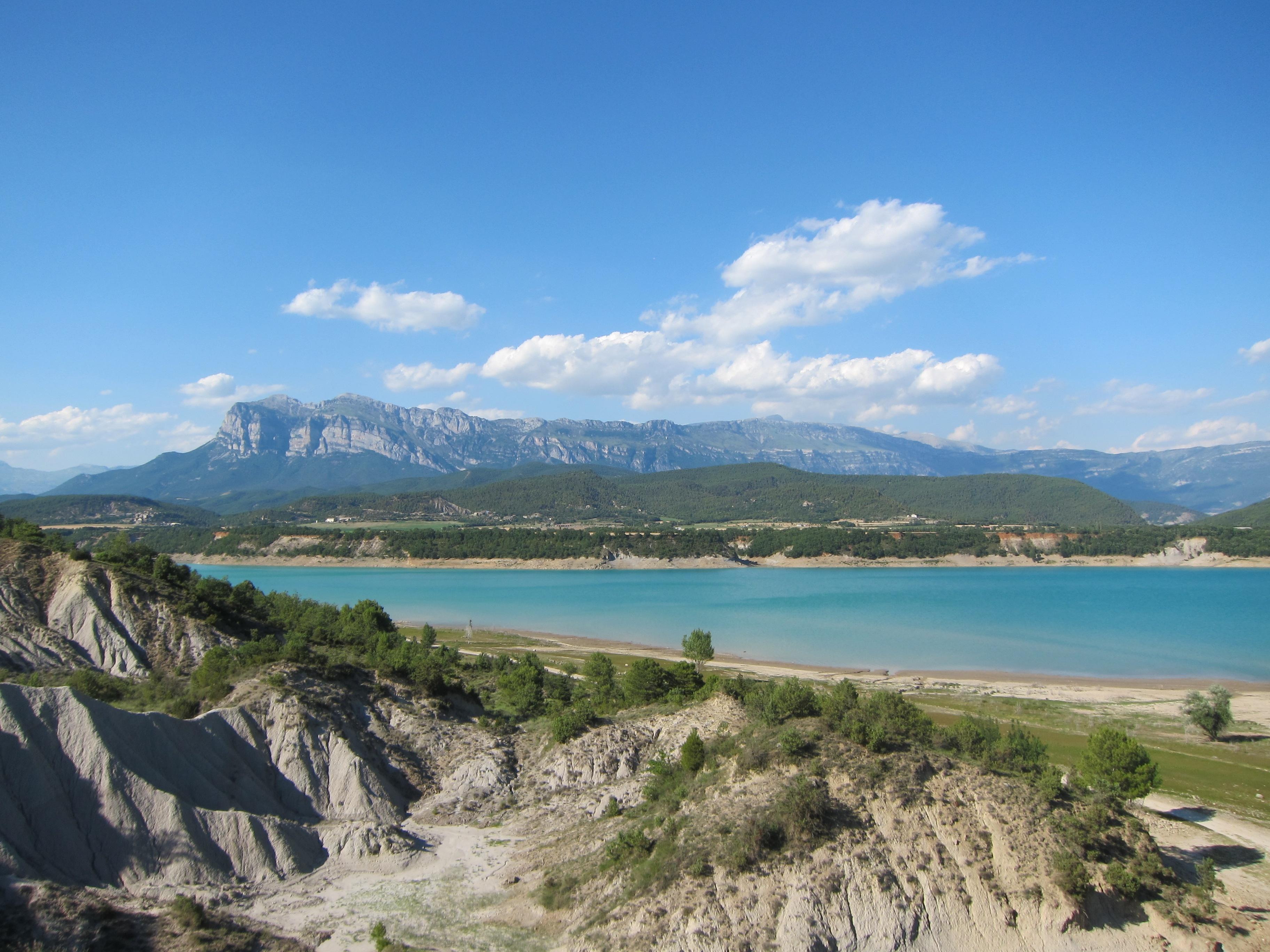 Riegos del Alto Aragón inicia la campaña de riego con una reserva hídrica del 77% de su totalidad