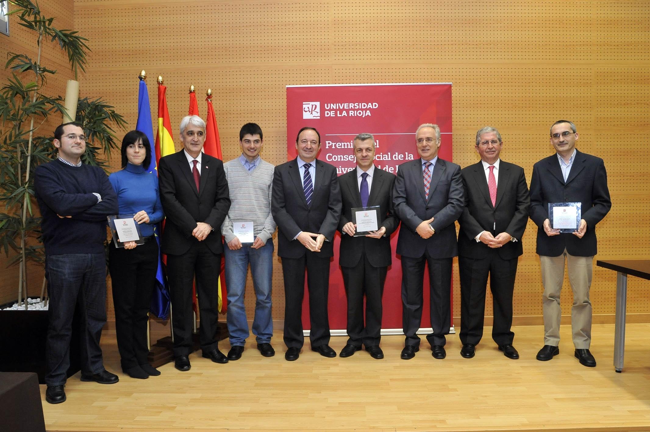 El Consejo de la UR distingue a Knet, Javier Antoñanzas, Fernando Alba, Ana González y el Grupo PSYCOTRIP