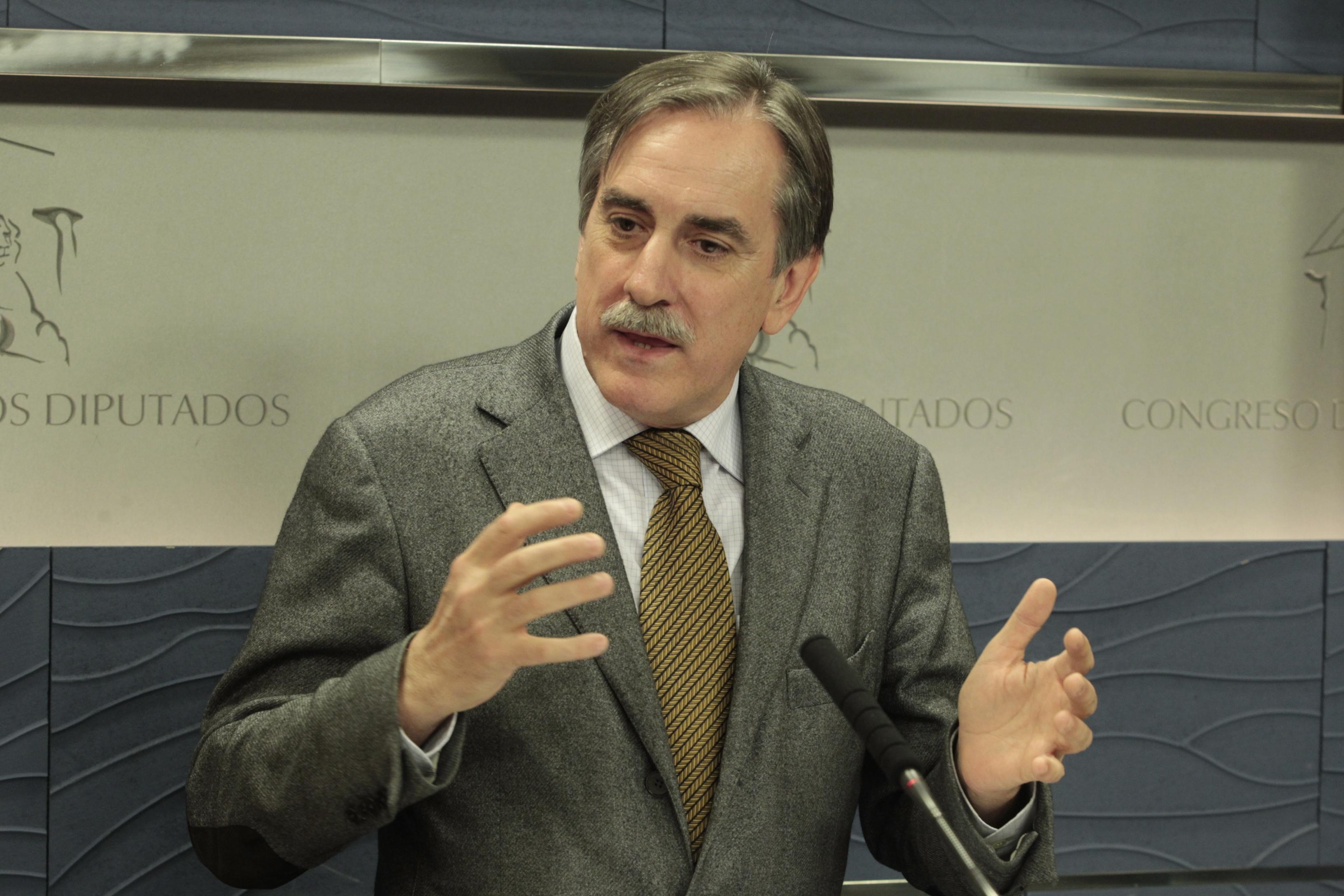 Valeriano Gómez exige al PSC que deje de cometer «errores»