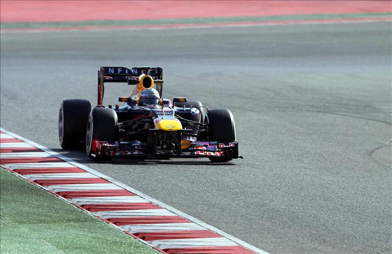 Vettel no está «pendiente de Alonso» y se centra en su equipo y en sí mismo