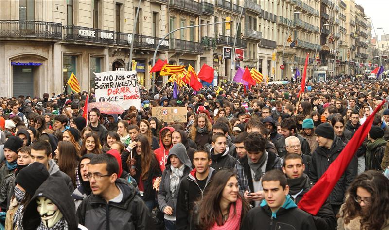 Cinco detenidos en los incidentes de la manifestación de estudiantes en Barcelona