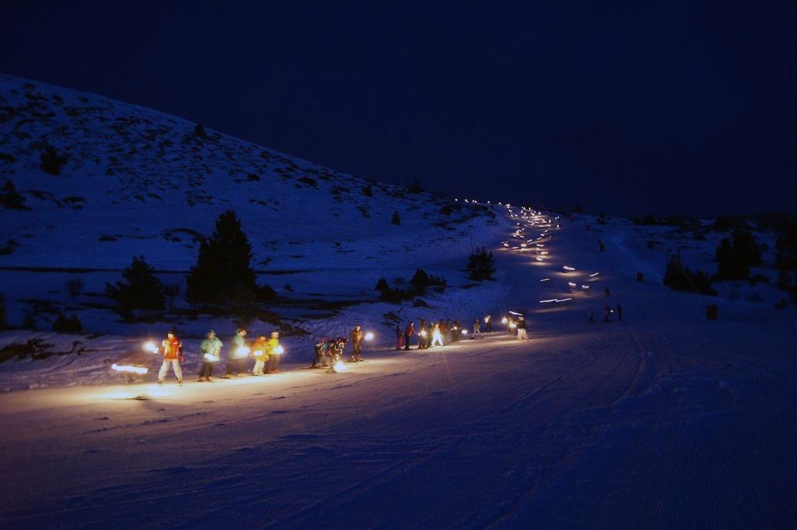Las estaciones de Aramón Javalambre y Cerler organizan una bajada nocturna de antorchas