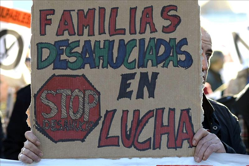 Una familia con un hijo que sufre una enfermedad rara, al borde del desahucio