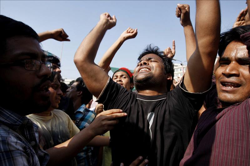 23 muertos en Bangladesh en las protestas contra la pena capital a un islamista