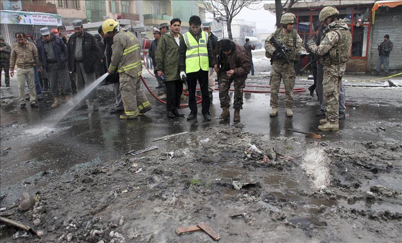 Al menos diez muertos en ataques con bomba contra la policía en Afganistán