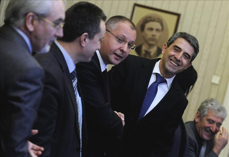 El presidente búlgaro fija el 12 de mayo como fecha para las elecciones