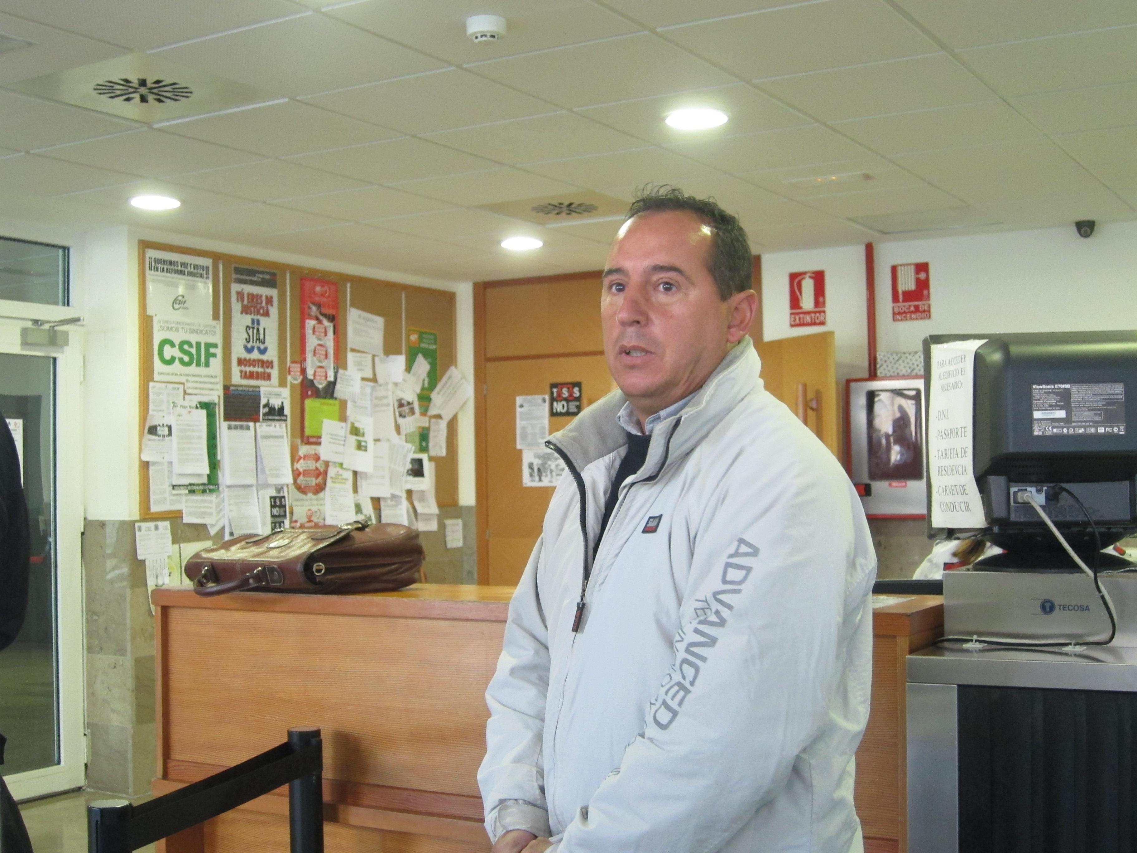 El publicista Sergio Vélez declara ante el juez a puerta cerrada por los cuadros desaparecidos