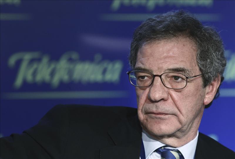 El beneficio de Telefónica se redujo un 27,3% pero mantiene que pagará dividendo en 2013