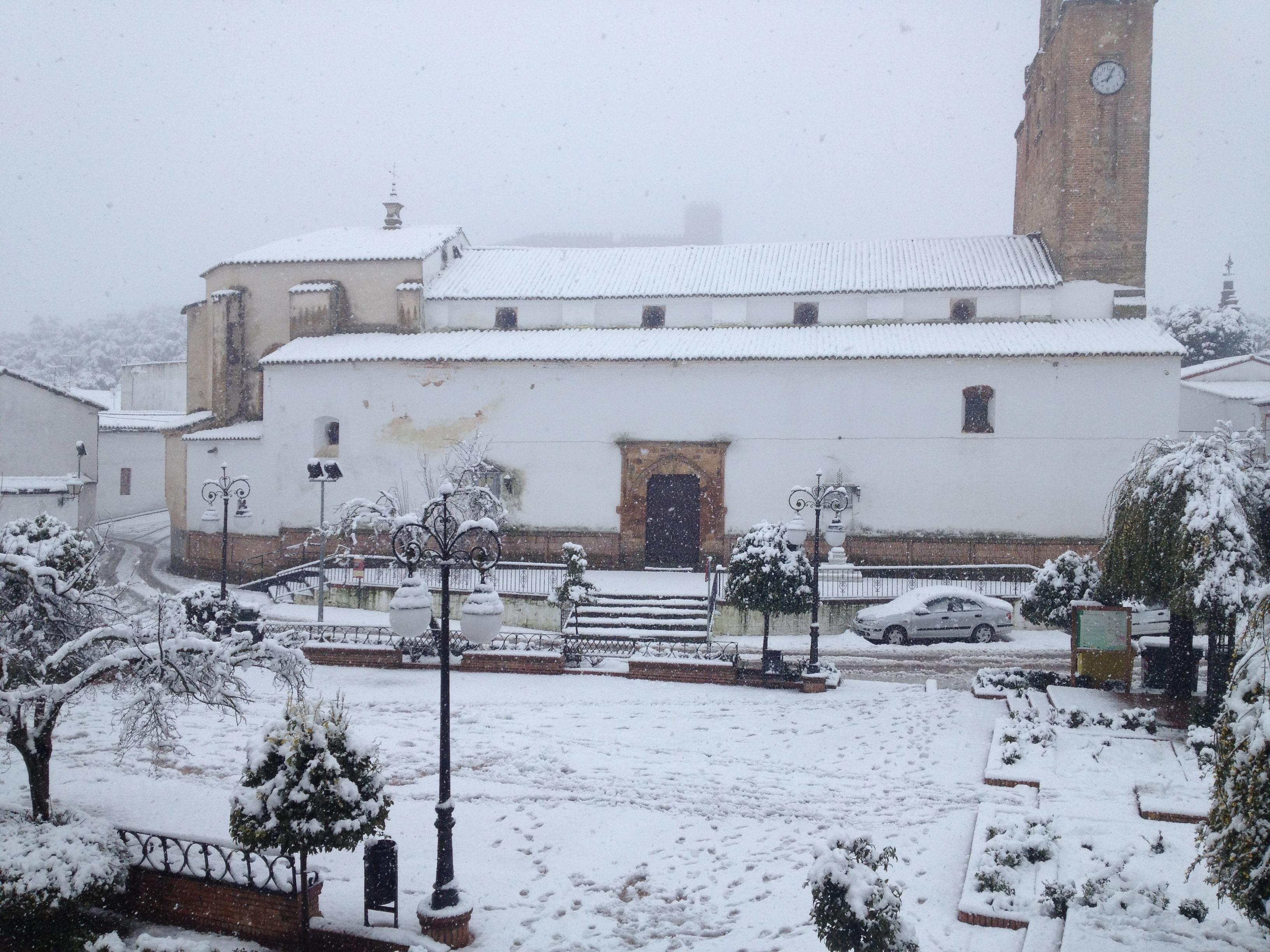 Alanís estudia solicitar la declaración de zona catastrófica tras la nevada por el «impacto económico»