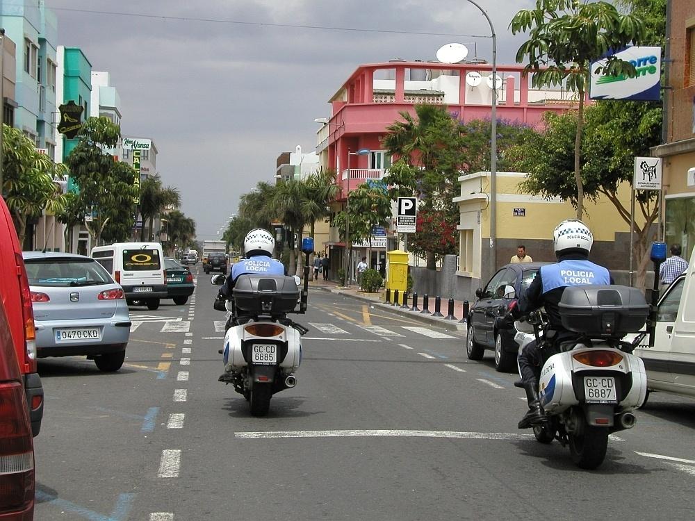 Detenido un hombre en Santa Lucía de Tirajana (Gran Canaria) por el robo con fuerza en cuatro vehículos