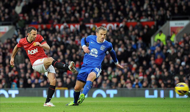 Ryan Giggs renueva con el Manchester United hasta 2014
