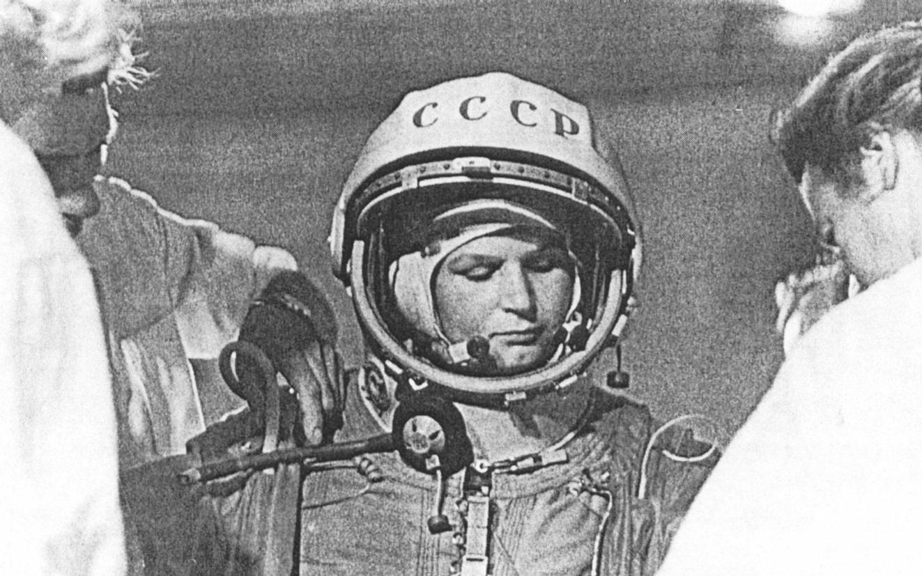 A las mujeres no se les deja ir al espacio en México, Rusia o los Emiratos Árabes