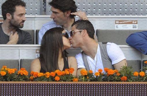 Cristiano Ronaldo e Irina Shayk muestran su amor en el Open de Madrid