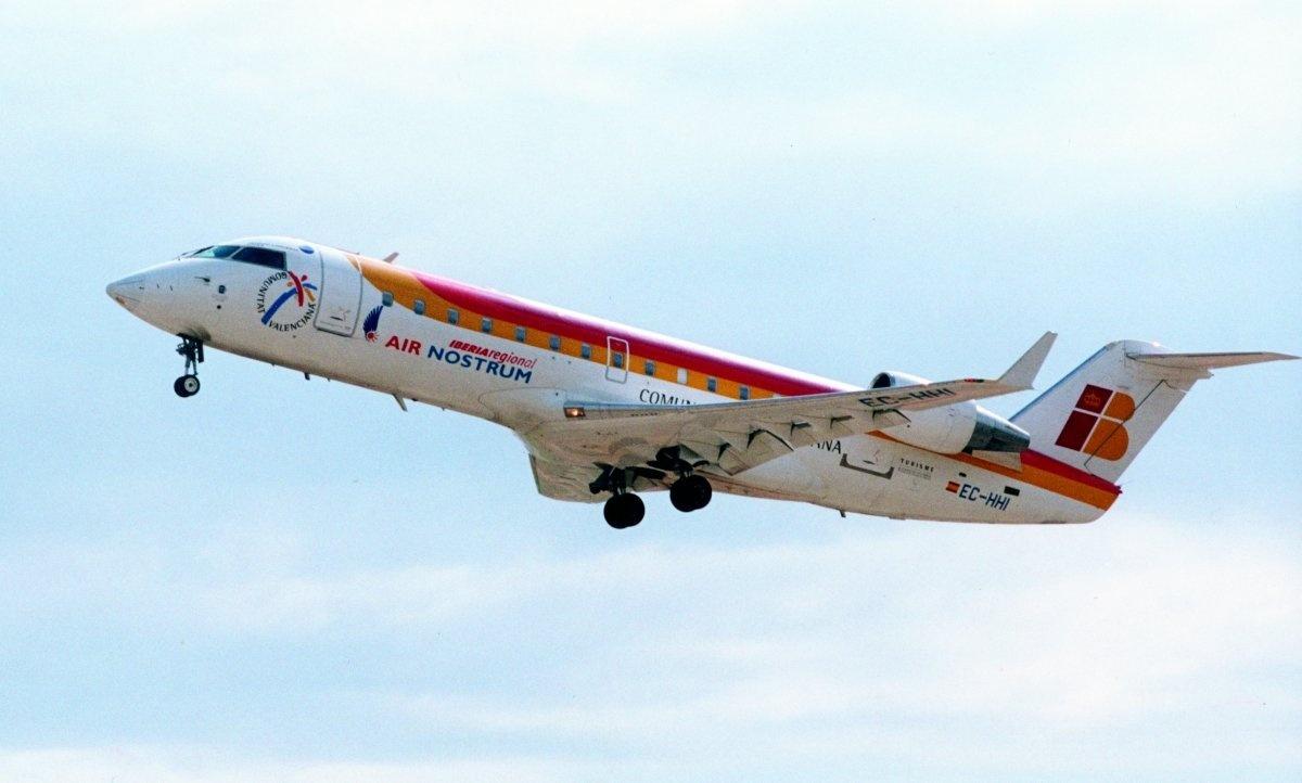 Air Nostrum propone una reducción salarial del 25% para los pilotos como «última oferta»