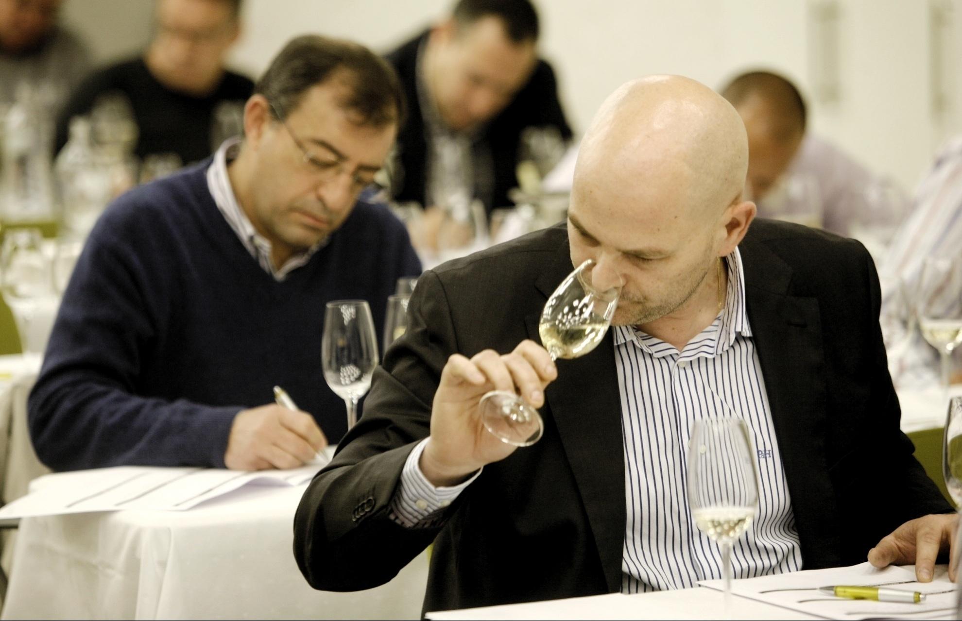 David Barro será el encargado de representar a Asturias y Cantabria en el concurso »Mejor Sumiller de España en Cava»