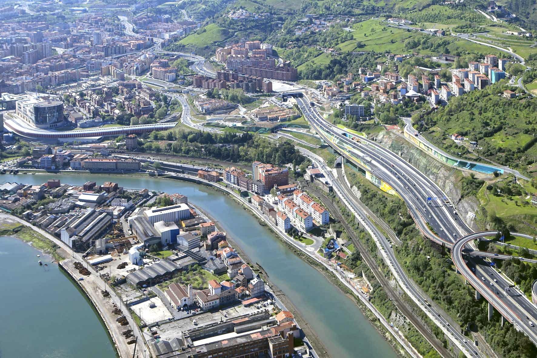 Ayuntamiento dice que los accesos por San Mamés funcionan «correctamente» y recuerda que Bilbao tiene siete accesos