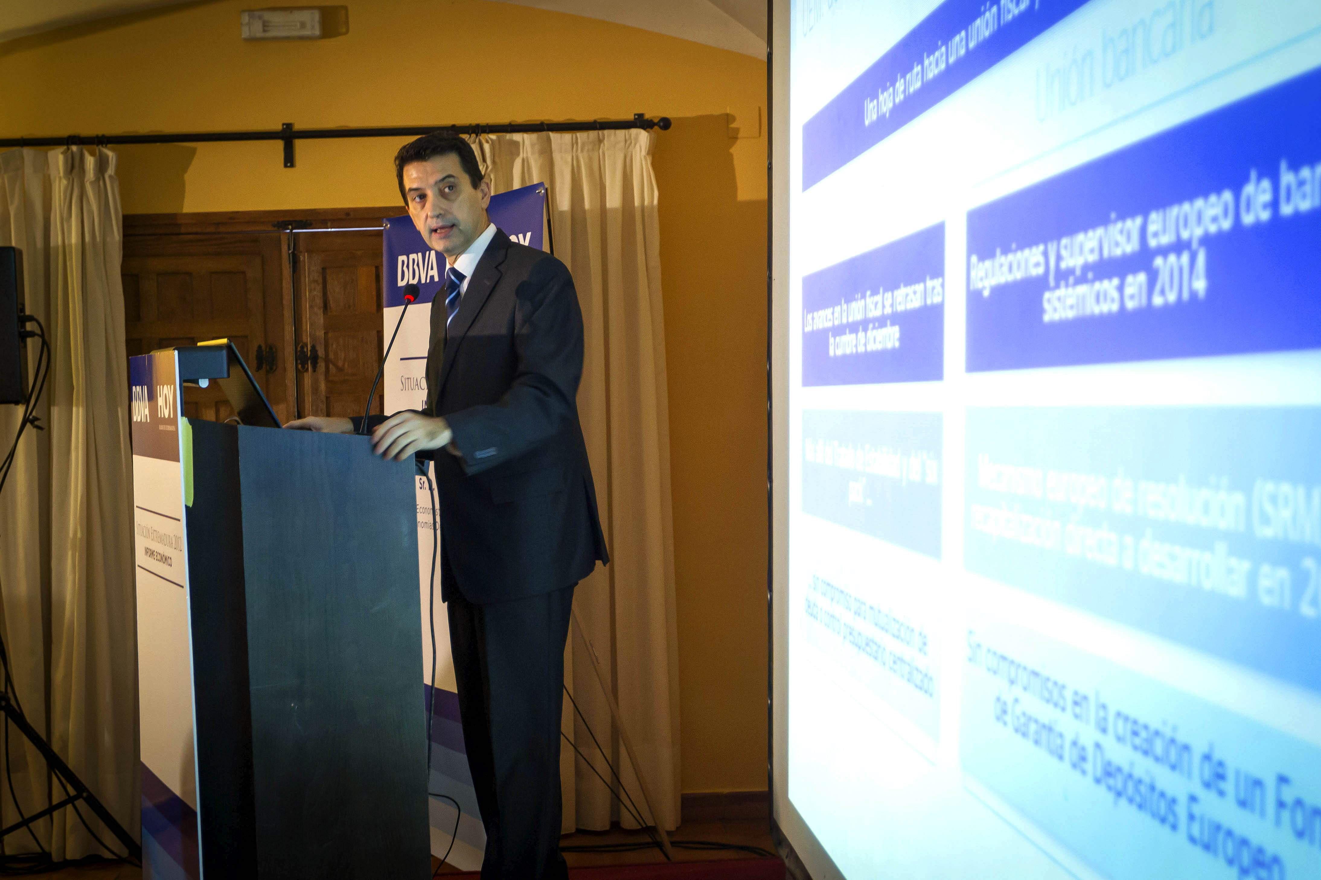 El BBVA dice que Andalucía continuará su ajuste en 2013 y crecerá moderadamente en 2014