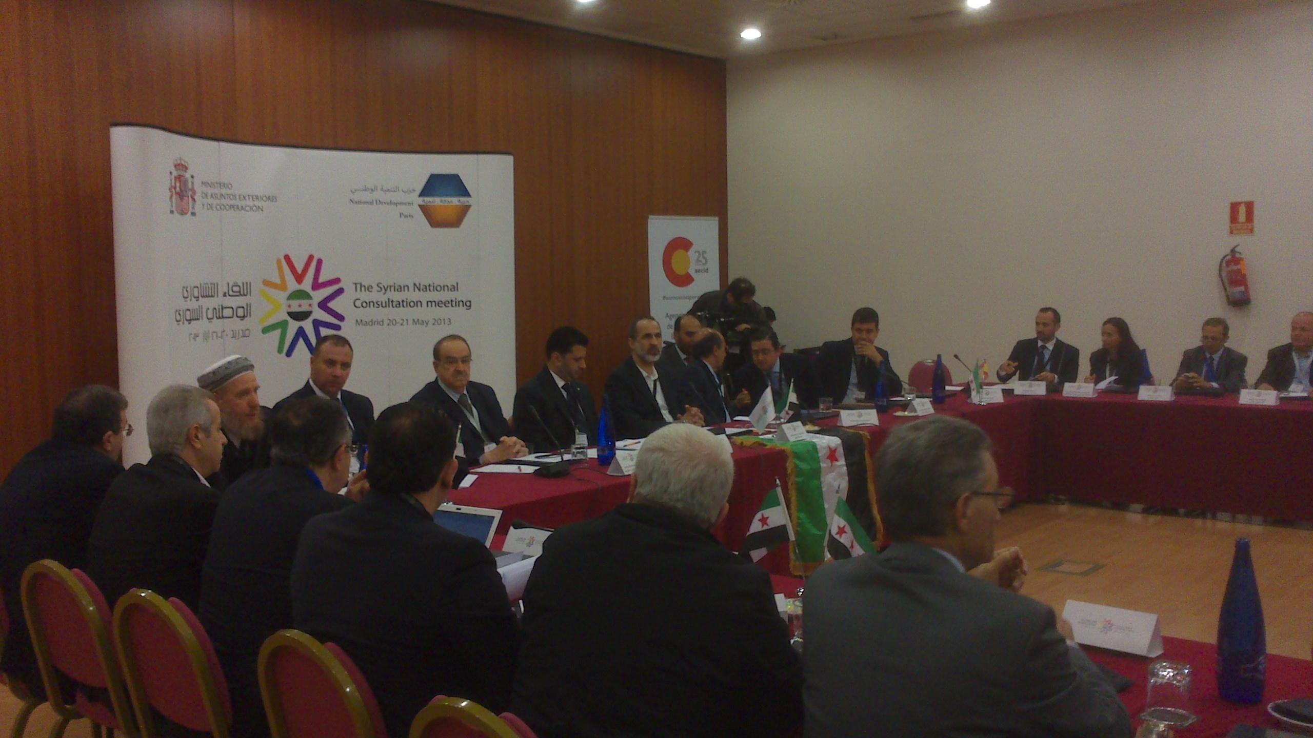 De Benito aboga por favorecer el diálogo en la inauguración de la reunión de la oposición siria en Madrid