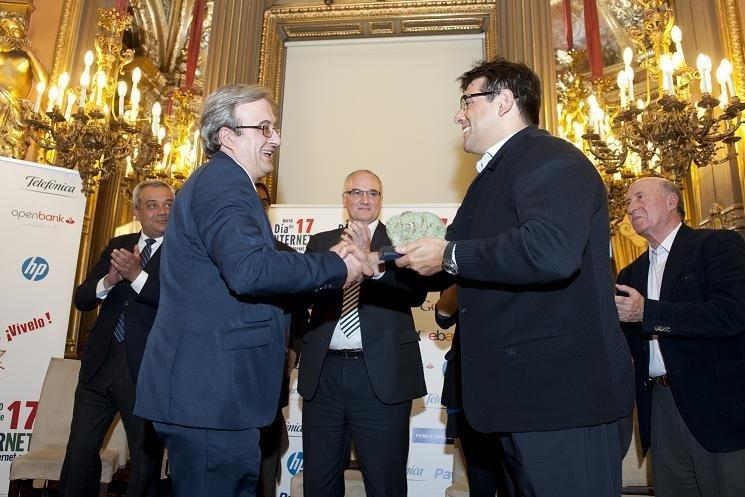 El Centro de Cirugía de Mínima Invasión Jesús Usón de Cáceres obtiene el Premio »Internet 2013» en la categoría de Salud