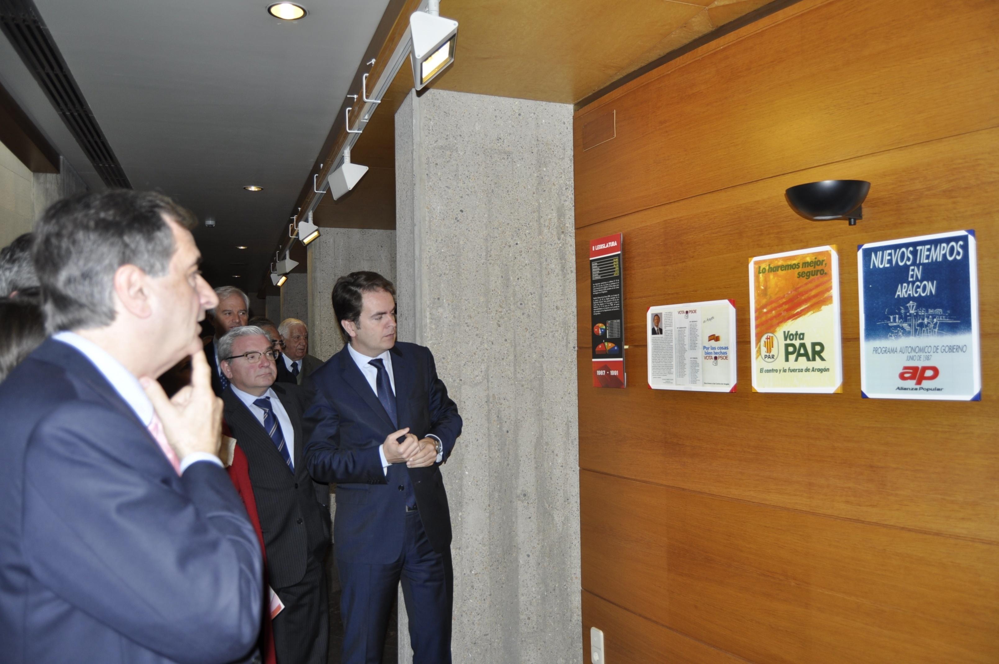 Las Cortes celebran el 30º aniversario de la constitución de la I Legislatura con una exposición de carteles