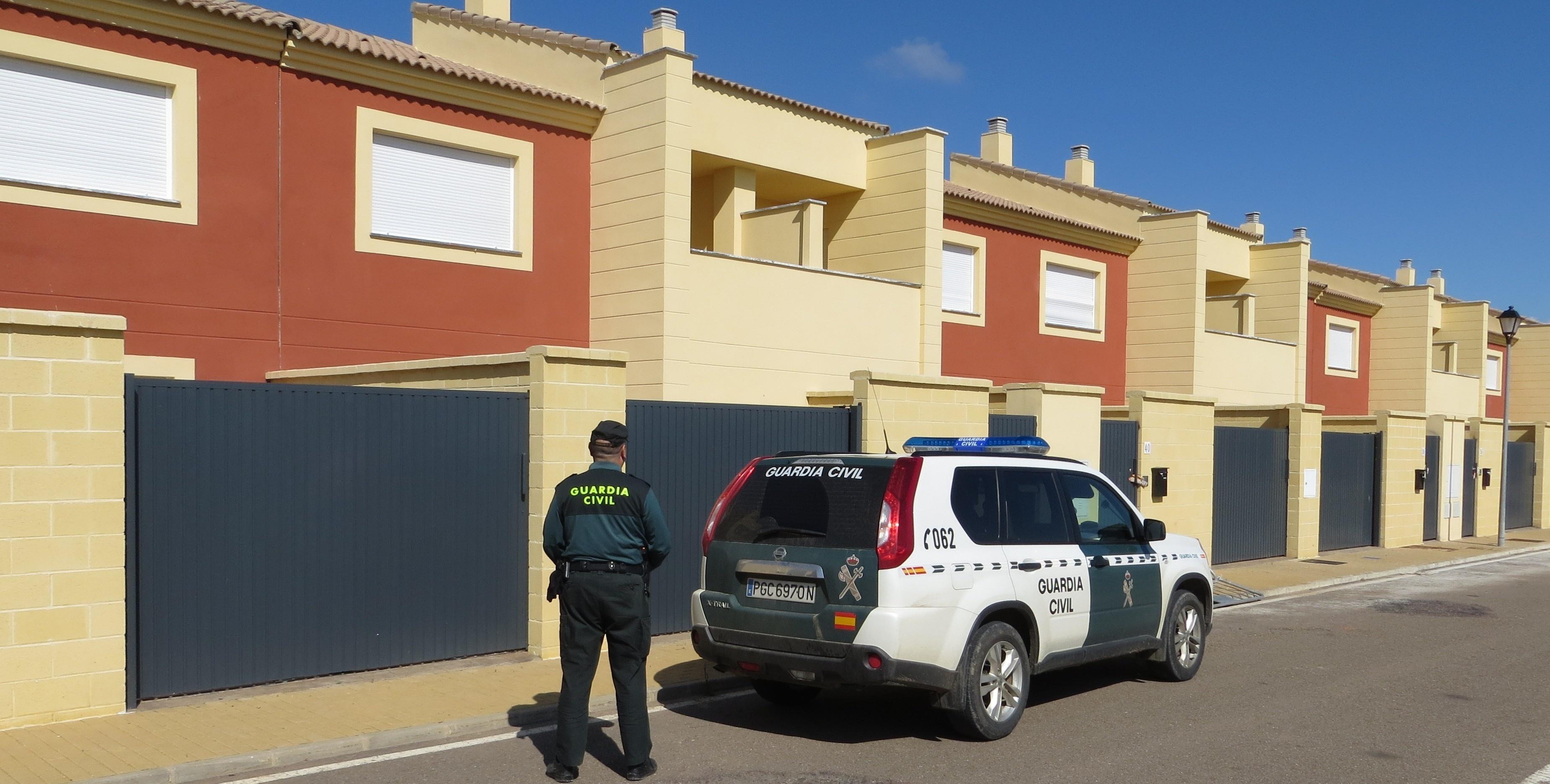 Detenido por robar el tendido eléctrico de doce viviendas de un residencial de Talavera la Real