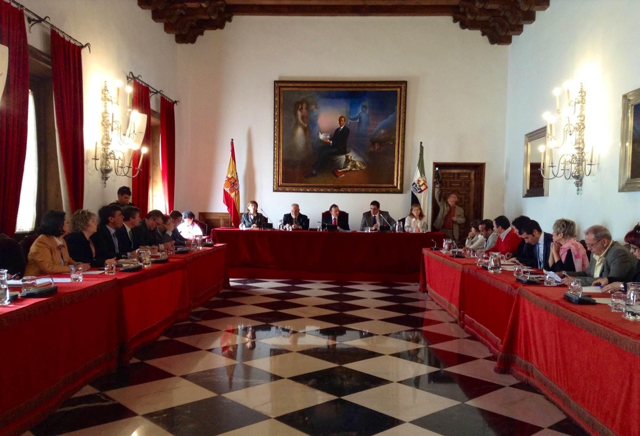 La Diputación de Cáceres rechaza el Plan de Empleo del PSOE por «criterios basados en la legalidad»