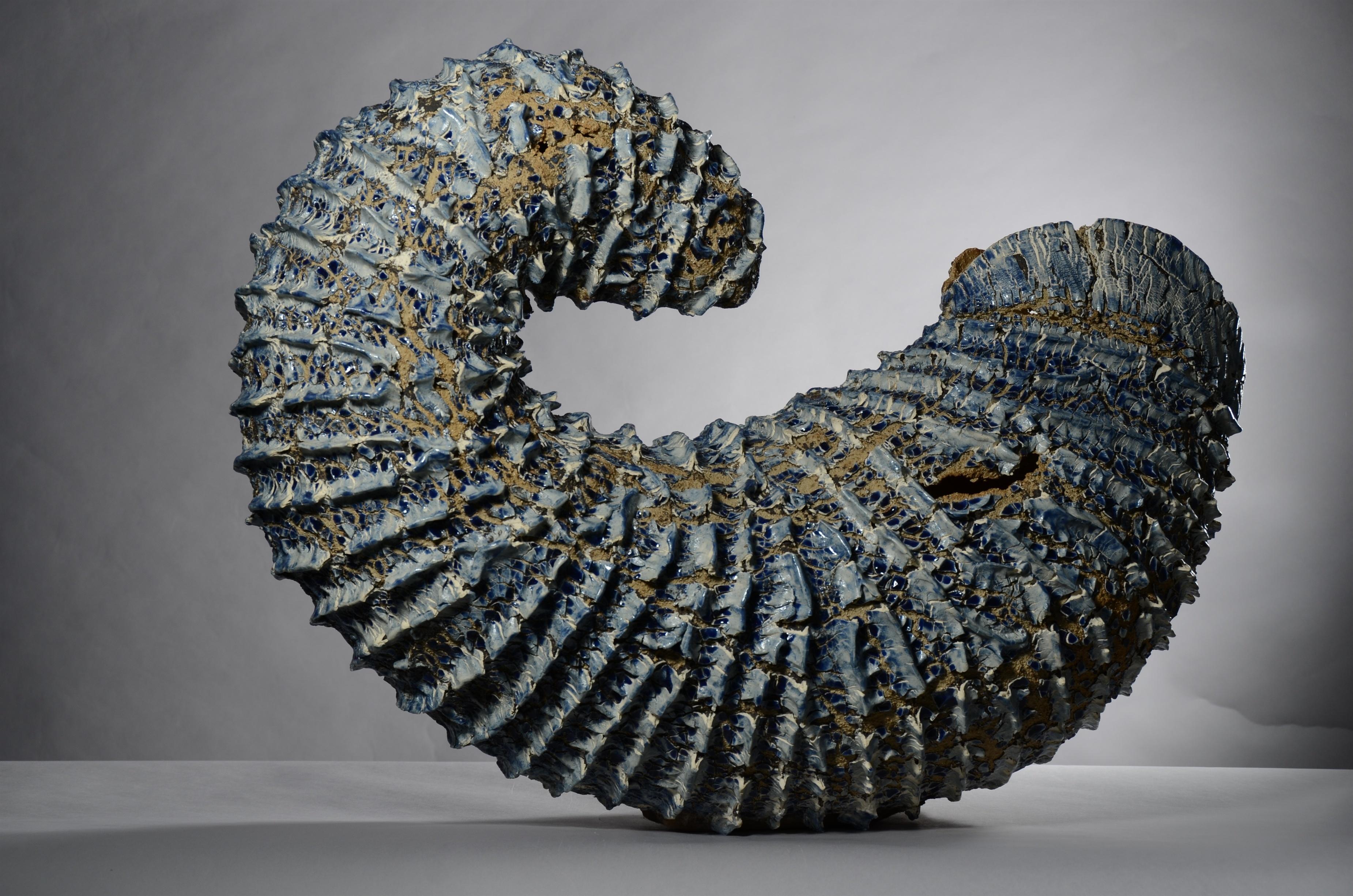 La ceramista Lourdes Riera recibe el primer Premio del Concurso Internacional de Cerámica de l»Alcora