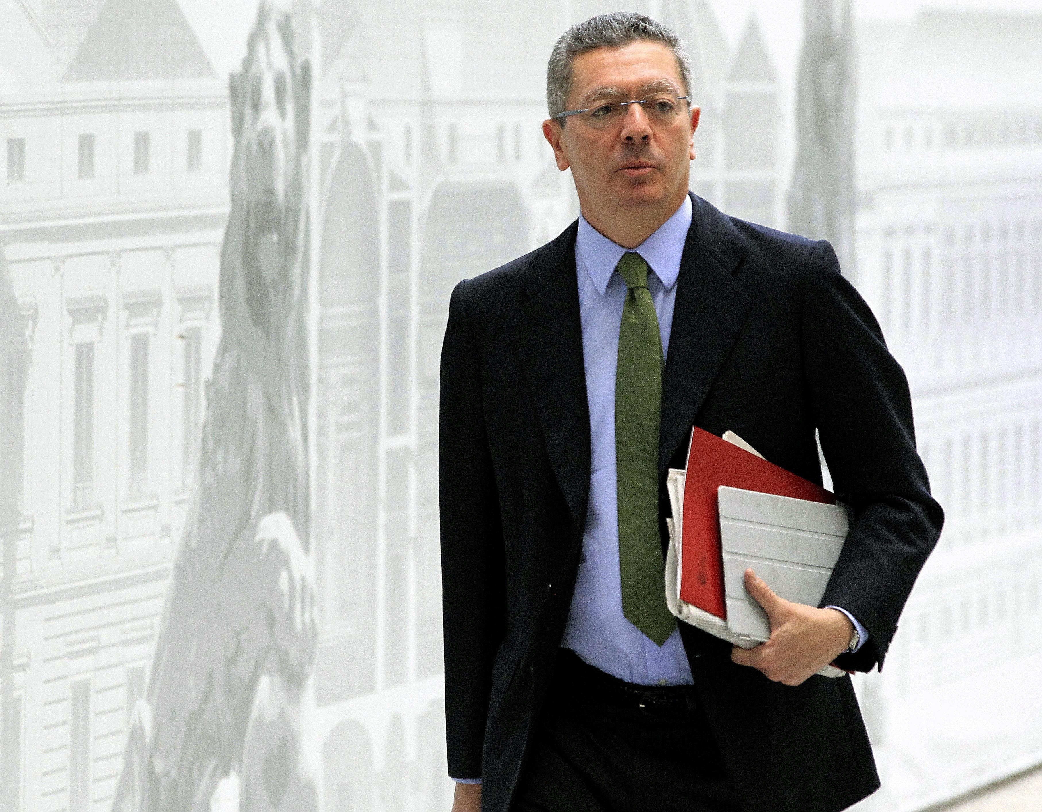 Cospedal asegura que la reforma del CGPJ garantiza mucho más su independencia