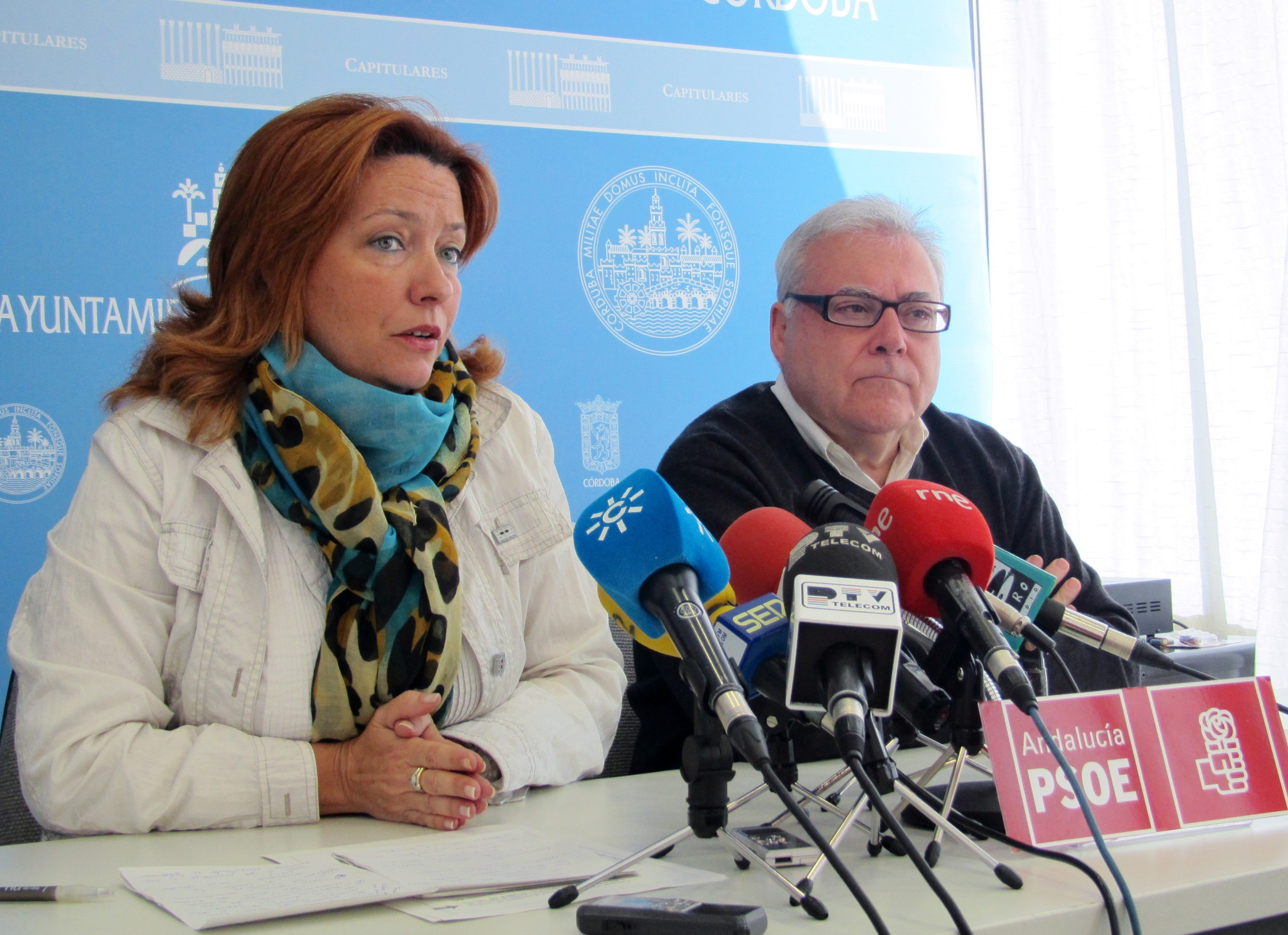 El PSOE dice al alcalde que «ha perdido los papeles» y le exige que «deje de acusar a la oposición»