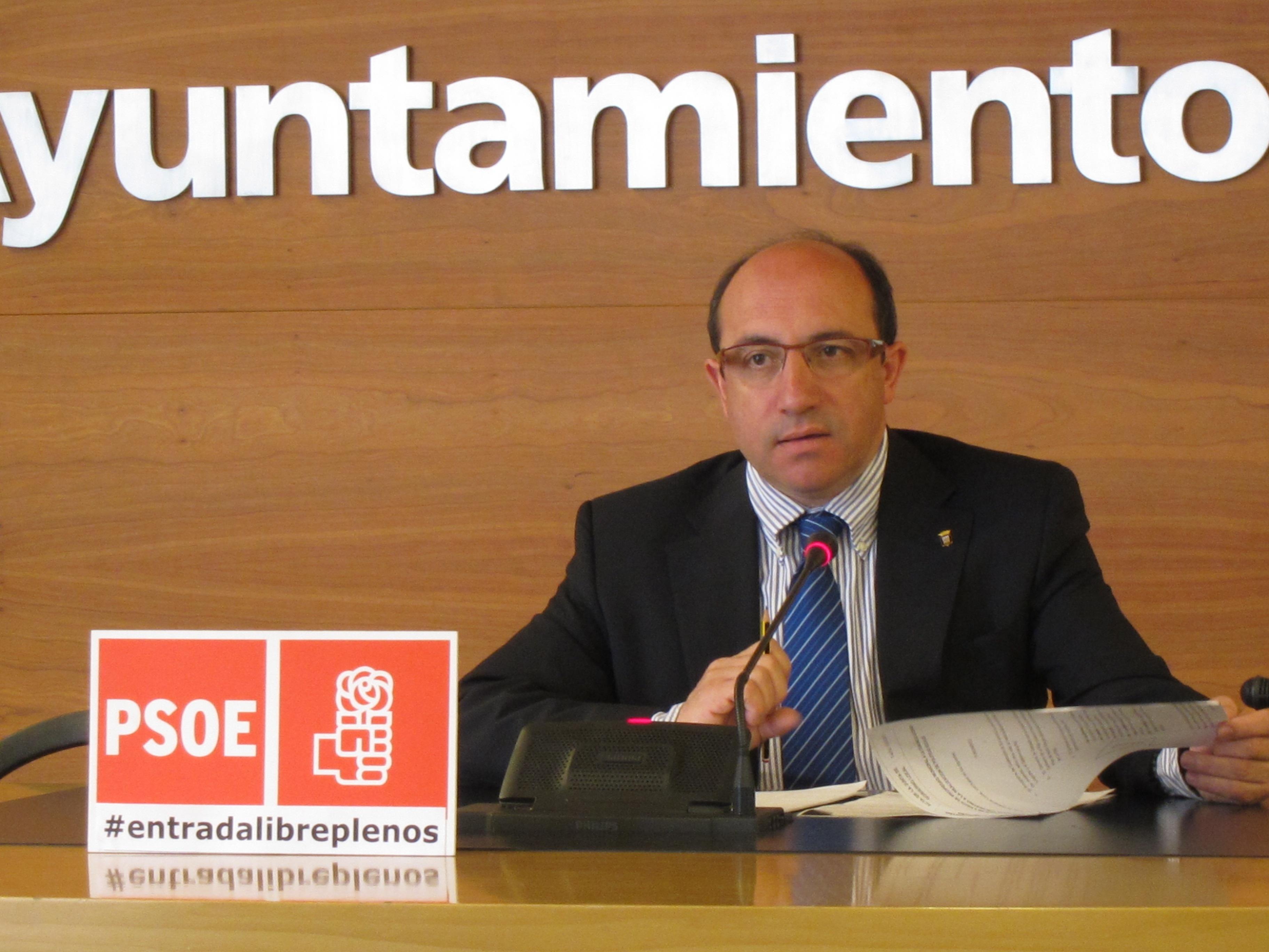PSOE critica que 5 pisos de propiedad municipal para fines sociales vayan al Gobierno riojano «con fines electoralistas»