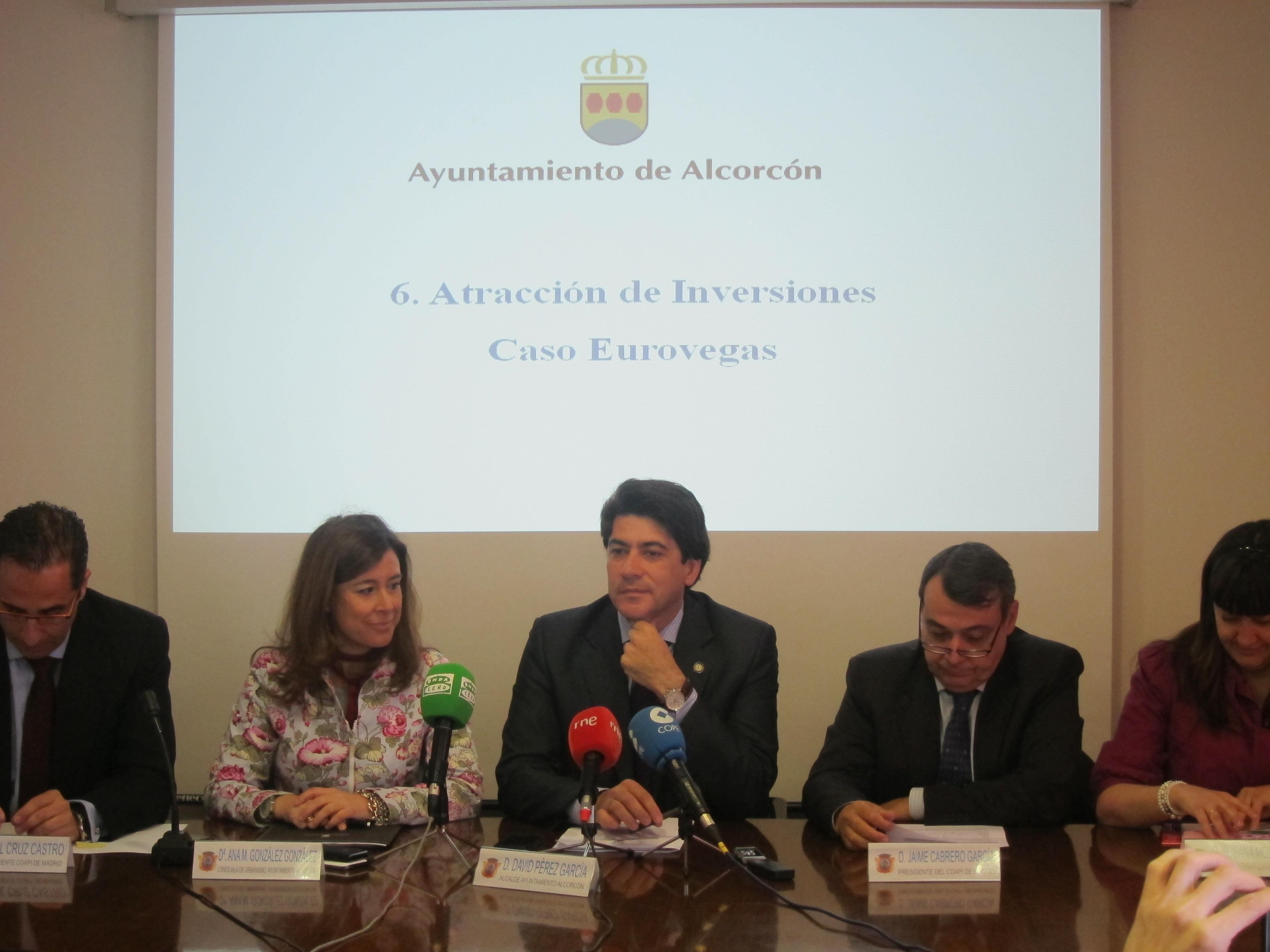 Pérez dice que no está preocupado «en absoluto» por el retraso de Adelson en la presentación formal