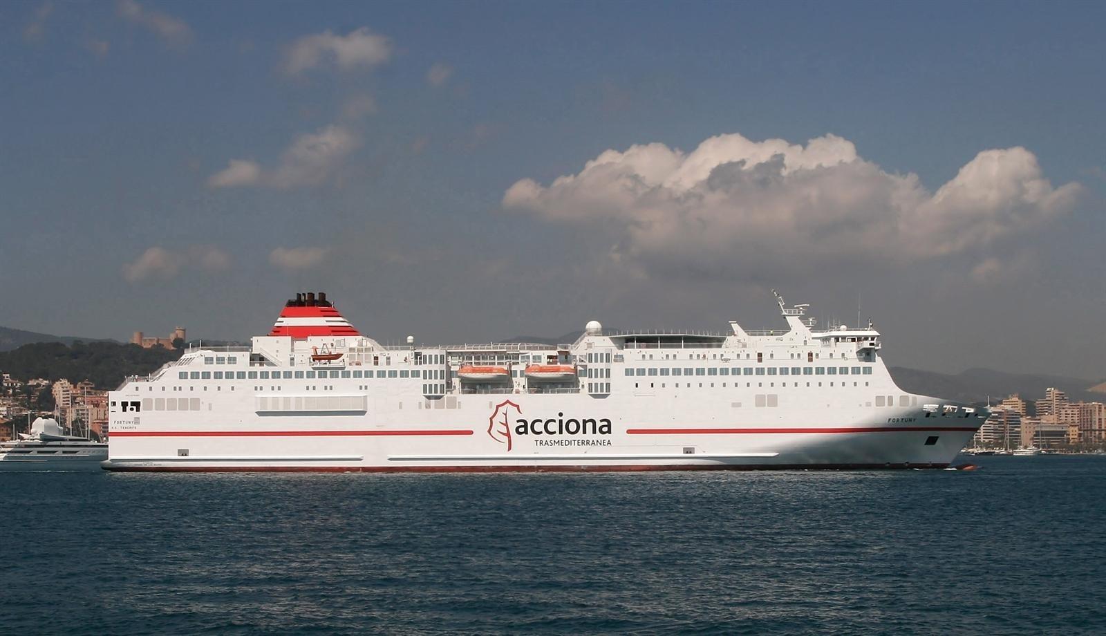 Trasmediterránea reforzará este verano las conexiones Valencia-Ibiza con un buque de alta velocidad