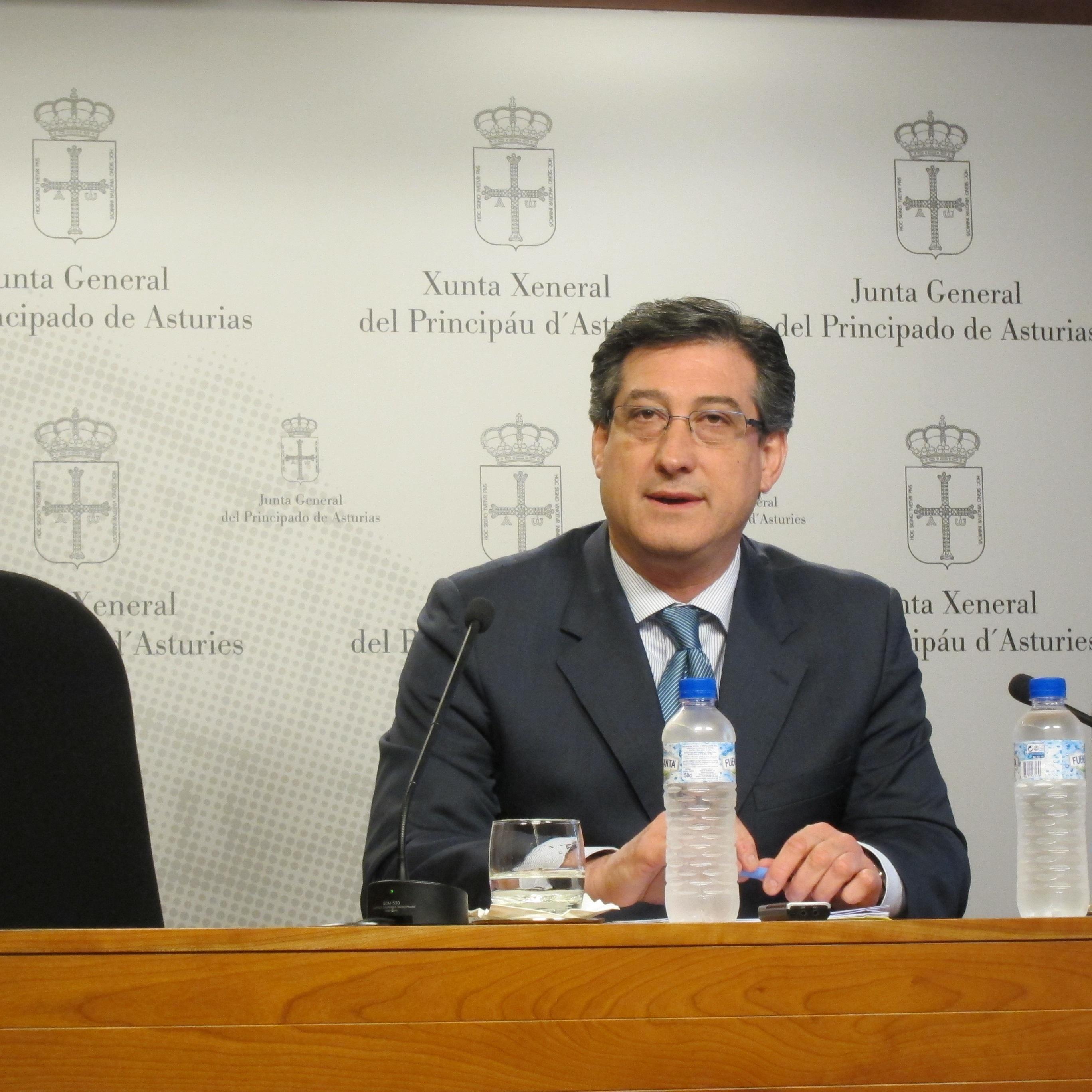 UPyD reclama el consenso de la Junta para lograr la declaración de servicio público de la línea aérea Asturias-Madrid