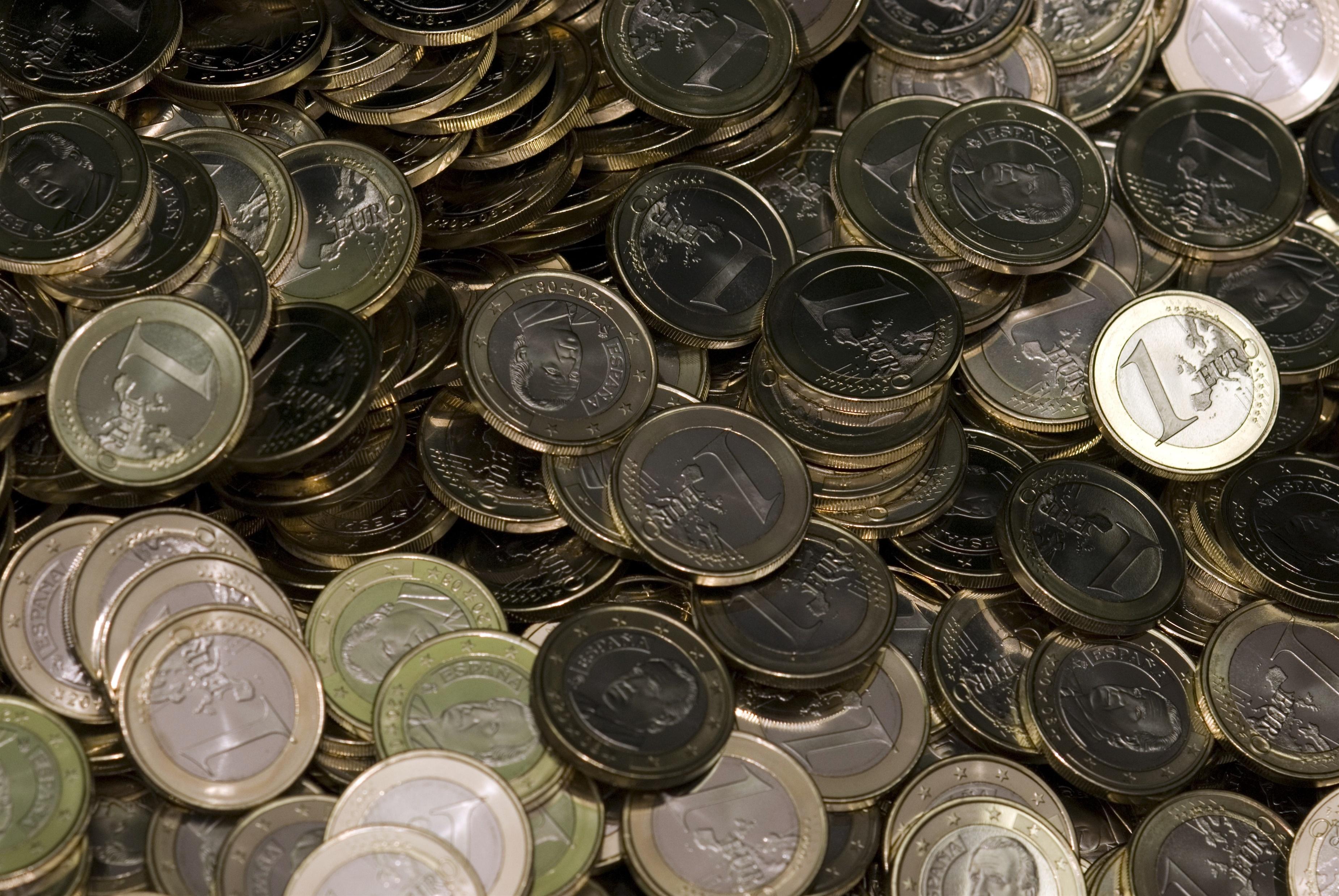 (Ampl.) El Tesoro coloca 3.510 millones y eleva el interés de las letras a 3 meses y mantiene el de 9 meses