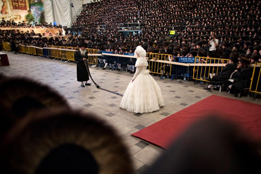 La novia que nunca pudo enseñar su rostro se casa en Jerusalén ante 25.000 invitados