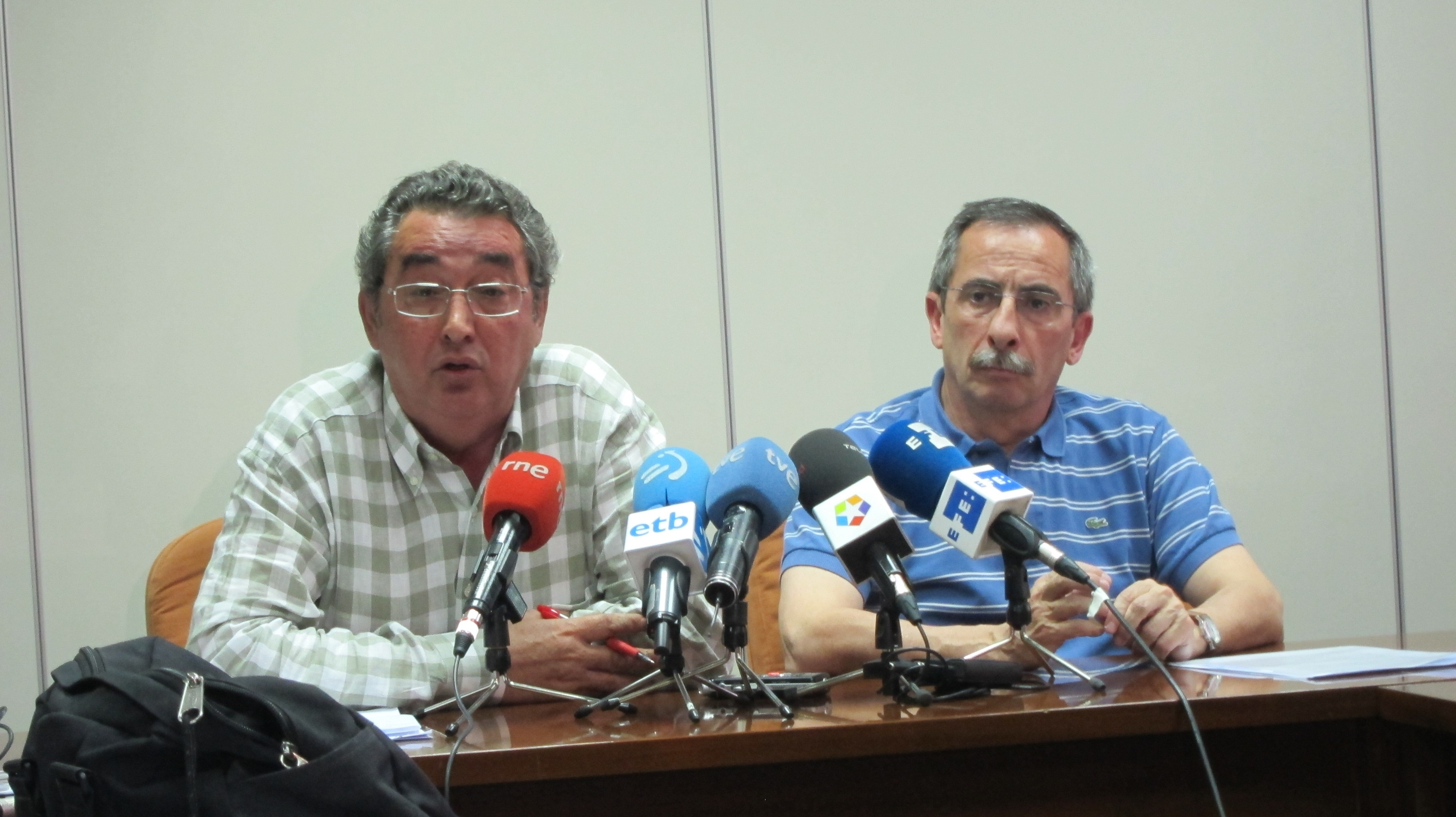 Patronal y sindicatos revisarán semanalmente el acuerdo sobre renovación de convenios