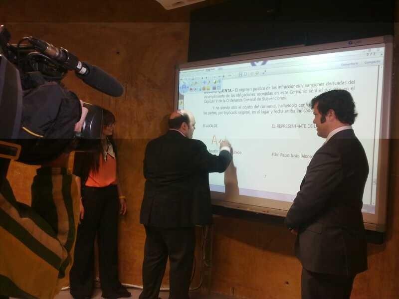 Ayuntamiento y AJE ponen en marcha un centro »coworking» como un ecosistema de ideas y proyectos empresariales